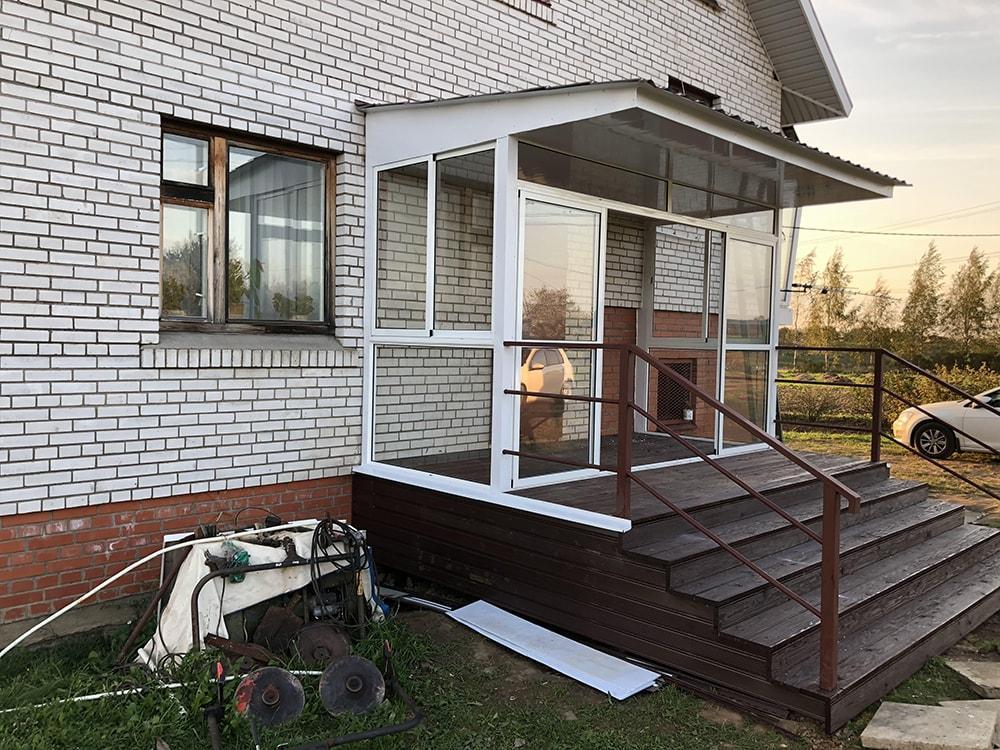 Крыльцо застекленное дома варианты фото